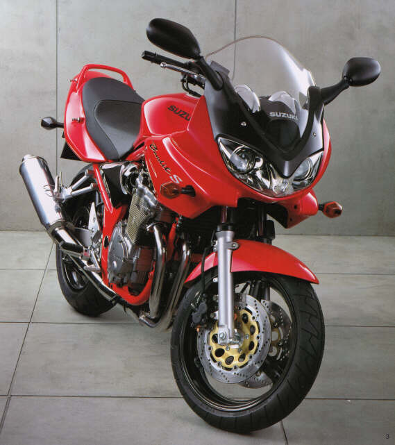 2000 Bandit 600S><br /><b>2000 Bandit 600S</div> <p>In Europe, Suzuki&#8217;s Bandit 600 has been a top seller for several years.  Available in two versions, the naked (600) and bikini fairing (600S), this bike has filled a large nitch with its nimble handling and good looks, coupled with adequate in-town engine performance and low price.<br /> <br /> The U.S. market benefits from this popularity overseas by receiving the significantly revised 2000 Bandit 600S.  A new frame, with longer wheelbase and reduced rake and trail provides improved straight-line stability, yet retains light and responsive steering.  Additional weight over the front wheel increases rider control.<br /> <br /> The new Bandit also receives improved brakes and larger tires, as well as improved suspension performance.<br /> <br /> In the engine department, the bullet-proof air cooled engine has improved low end throttle response and low-to-midrange power due to new carburetors and a throttle position sensor.<br /> <br /> Most no	tably, the faired version has an entirely new and radical design incorporating greater wind protection and advanced dual headlights.<br /> <br /> The new Bandits also have slightly redesigned seating positions for increased rider comfort.<br /> <br /> Overall, the new Bandits represent a great bargain on a reliable, fun motorcycle.  In the U.S., only the faired GSF 600S is available at an MSRP of $5,799.00.<br /> <br /> <a href=