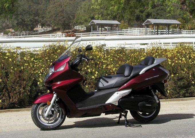 2002 honda silver wing md ride review scooter or motorcycle who cares. Black Bedroom Furniture Sets. Home Design Ideas