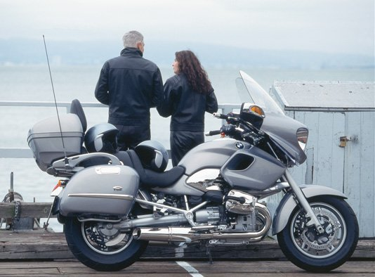 bmw introduces r1200 cl motorcycle. Black Bedroom Furniture Sets. Home Design Ideas