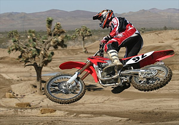 2005 Honda Crf450r Md First Ride Motorcycledailycom Motorcycle