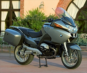 2005 BMW R1200RT><br /><b>2005 BMW R1200RT</div> <p>The motor and chassis of these bikes are based on that of the R1200GS, which Motorcycle Daily discussed at length in our article <a href=