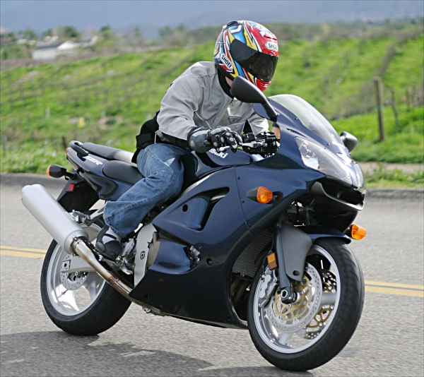 2005 Kawasaki ZZR600 MD Ride Review Do It All On A Budget