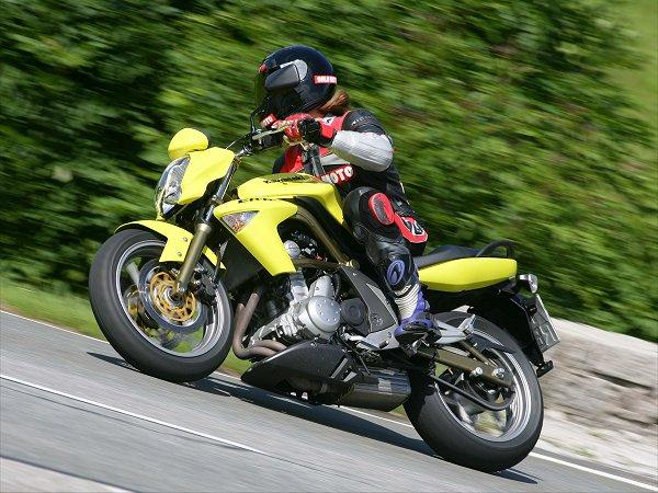 2006 Kawasaki Er 6n First Ride Motorcycledailycom Motorcycle