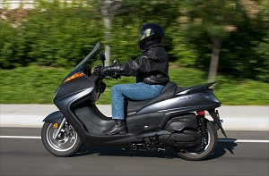 MD Ride Review: 2005 Yamaha Majesty « MotorcycleDaily.com ...