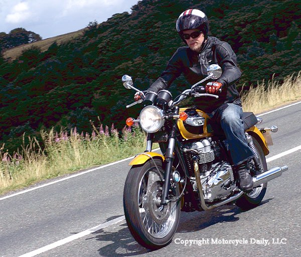 MD First Ride: 2007 Triumph Bonneville T100 « MotorcycleDaily.com ...