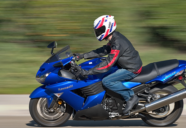MD Ride Review: 2006 Kawasaki ZX-14 - MotorcycleDaily com
