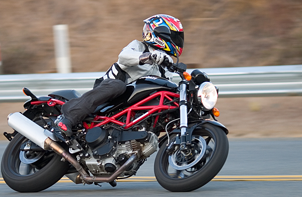 md ride review: 2007 ducati monster 695 « motorcycledaily