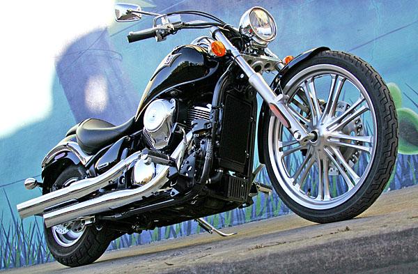 Kawasaki Vulcan 900 Classic 112806_bottom