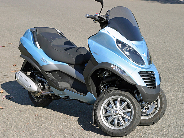 md short take: piaggio mp3 « motorcycledaily – motorcycle news
