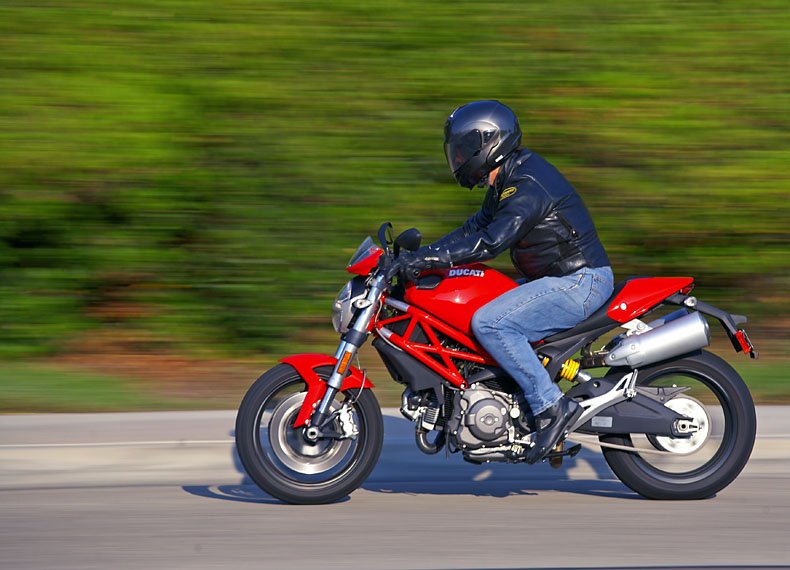 Monster for the masses – 2009 Ducati Monster 696 « MotorcycleDaily ...