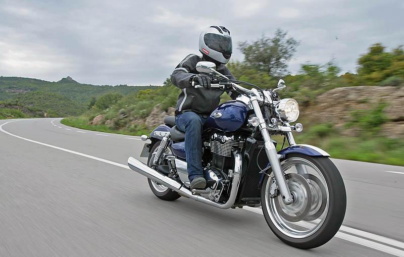 2010 Triumph Thunderbird: MD First Ride « MotorcycleDaily.com ...