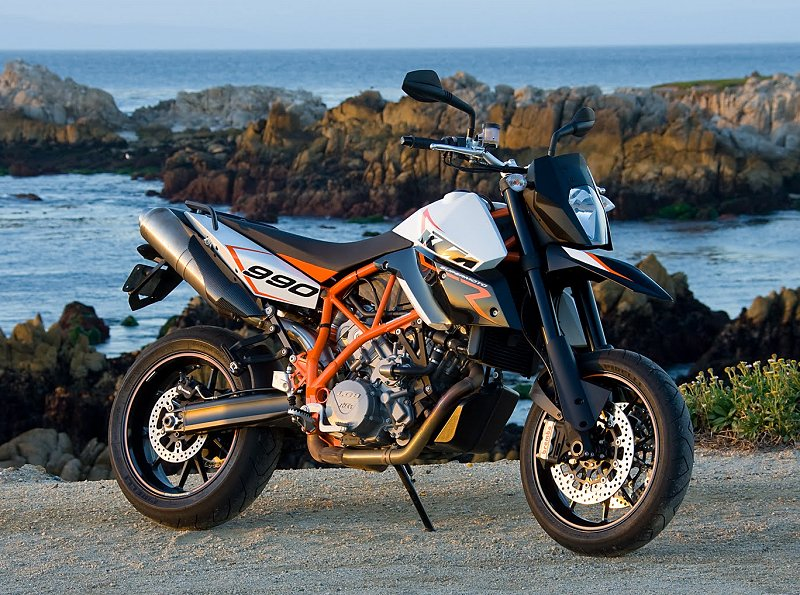 2010 ktm 990 sm t and 990 sm r: md first ride « motorcycledaily
