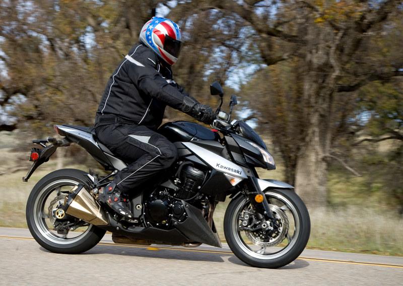 2010 Kawasaki Z1000: MD First Ride « MotorcycleDaily.com ...