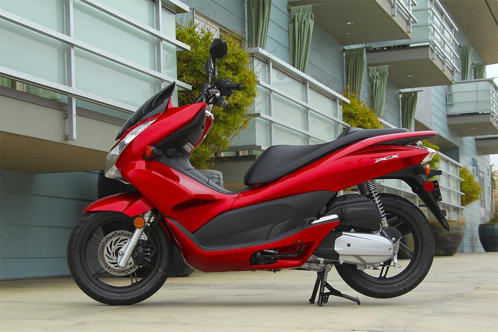 Md First Ride 2011 Honda Pcx 125 Motorcycledaily Com