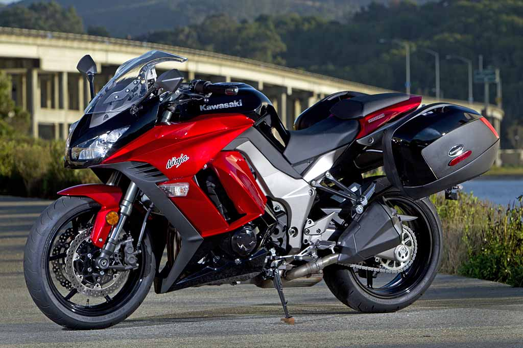 2011 Kawasaki Ninja 1000 MD First Ride MotorcycleDaily