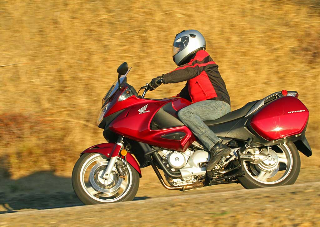 Honda Dealers In Md >> 2010 Honda NT700V: MD Ride Review - MotorcycleDaily.com - Motorcycle News, Editorials, Product ...