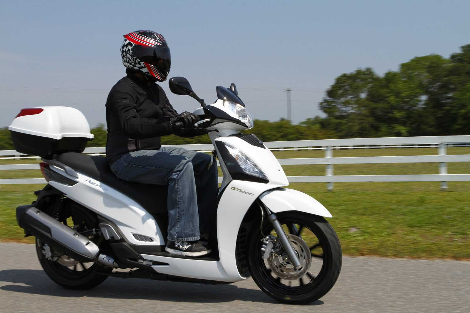 md first ride: kymco 2011 – power to the peoples « motorcycledaily