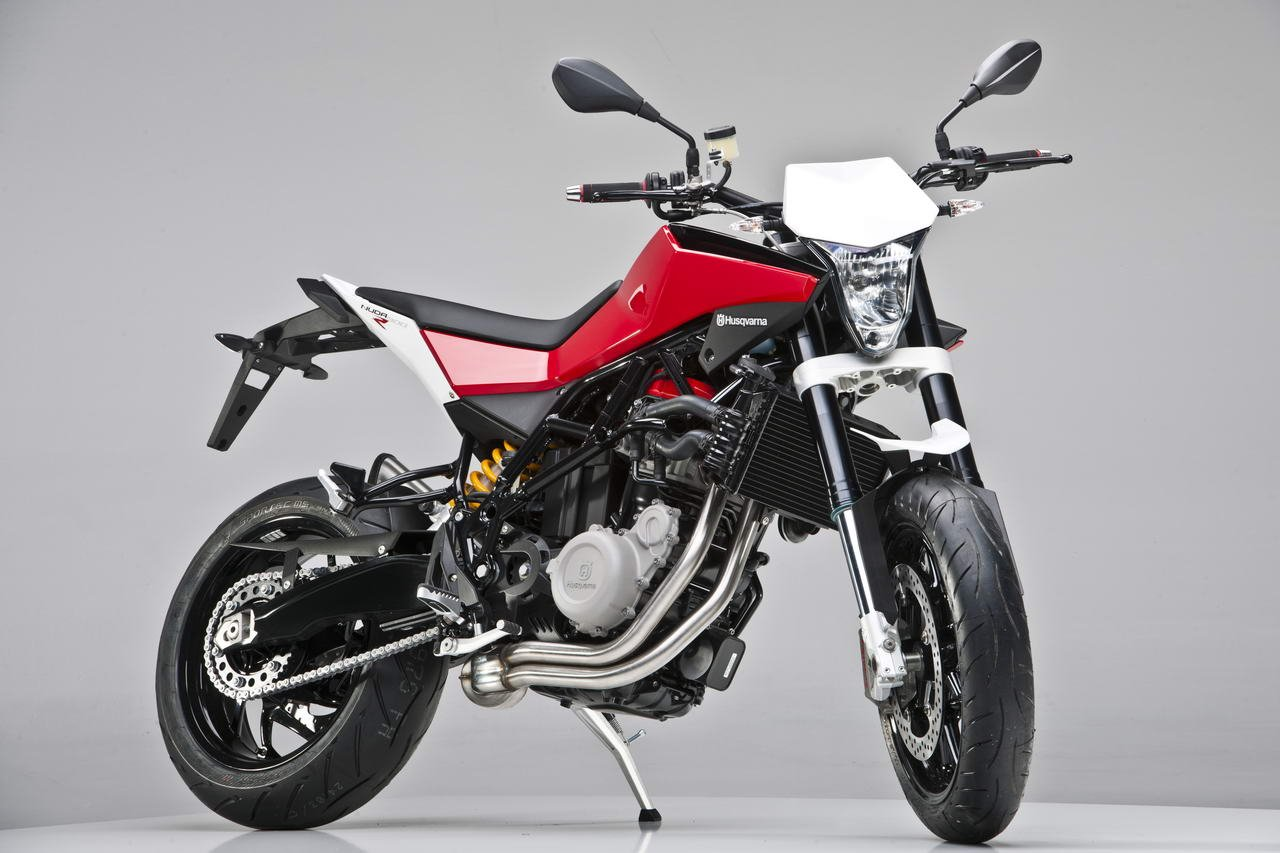 details released by husqvarna on nuda 900 and 900r motorcycle news. Black Bedroom Furniture Sets. Home Design Ideas