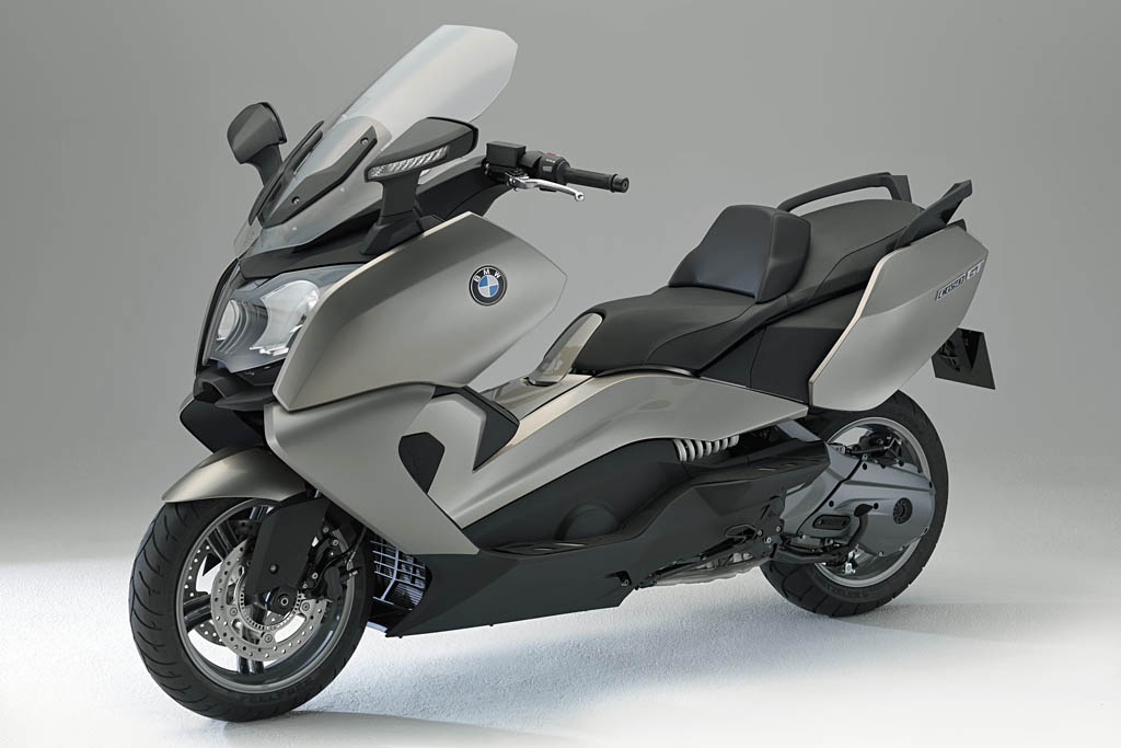 bmw unveils long anticipated maxi scooters c 600 sport and c 650 gt. Black Bedroom Furniture Sets. Home Design Ideas