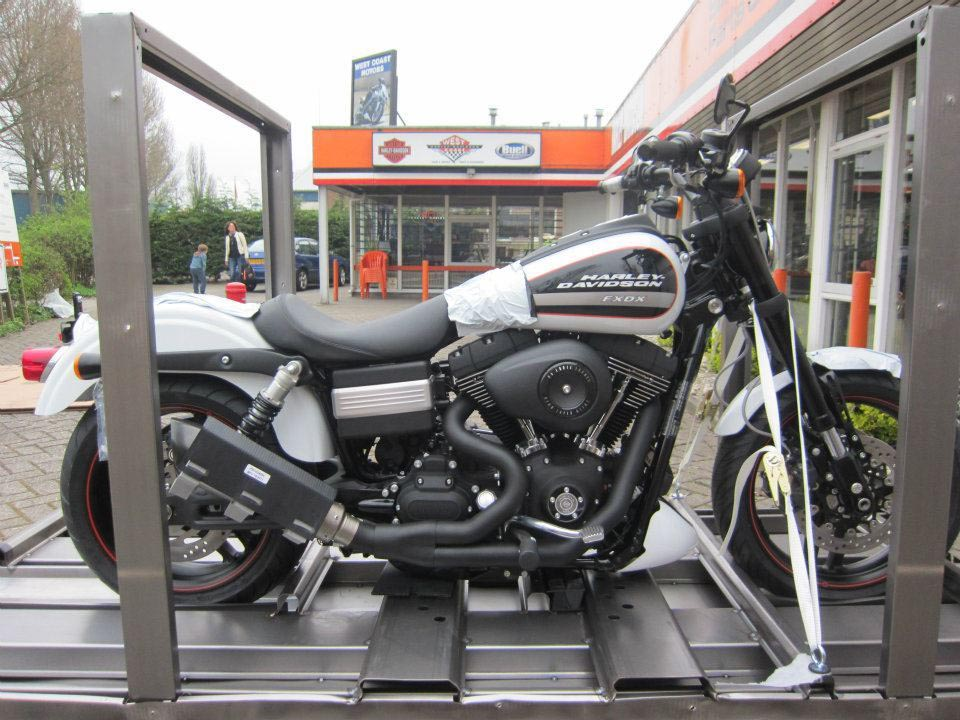 Beautiful Hoax: 2013 Harley-Davidson FXDX