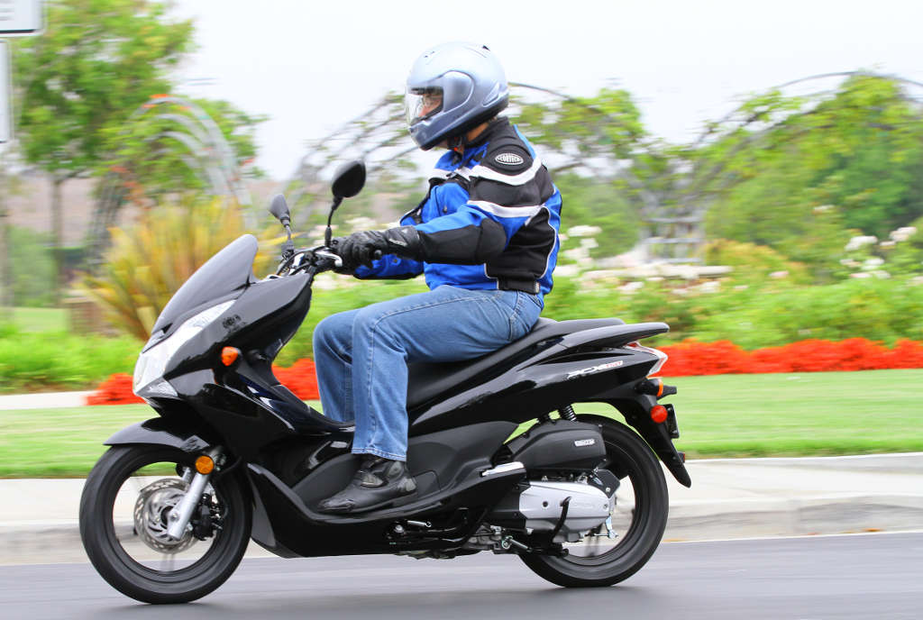 2013 Honda PCX150: MD First Ride « MotorcycleDaily.com – Motorcycle ...