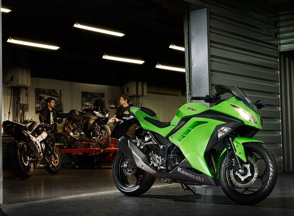 European Market 2013 Kawasaki Ninja 300 Unveiled (with video ...