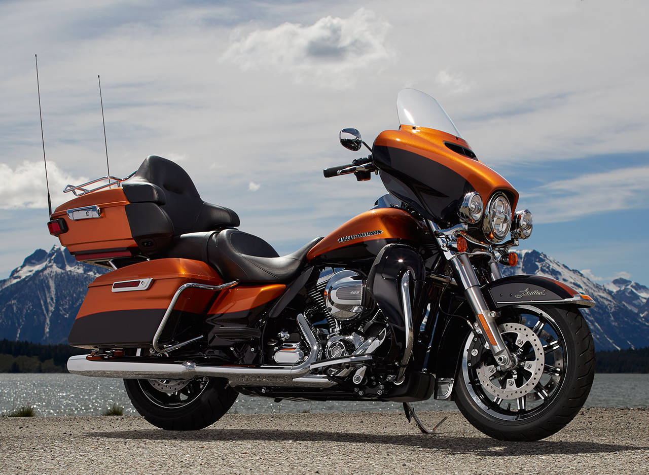 Harley-Davidson Eases the Faithful Into Liquid Cooling for 2014