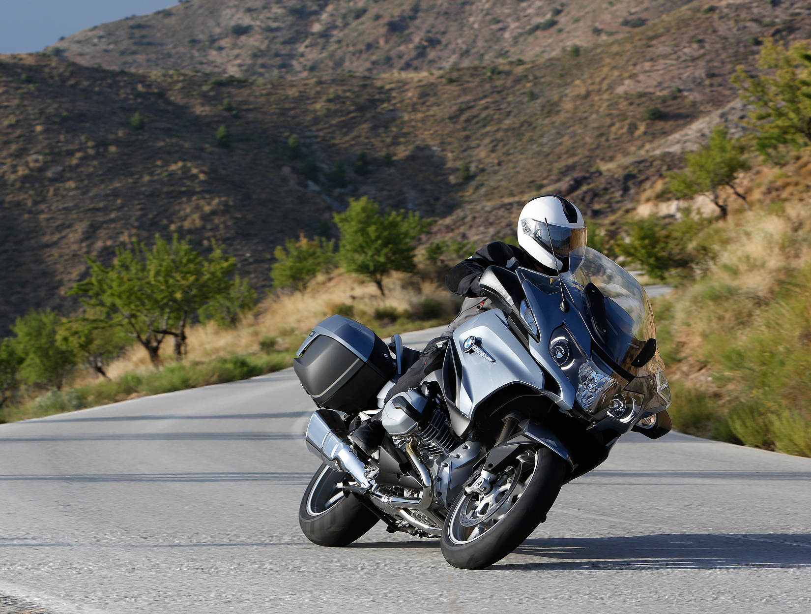 Bmw Redesigns R 1200 Rt Motorcycledailycom Motorcycle News