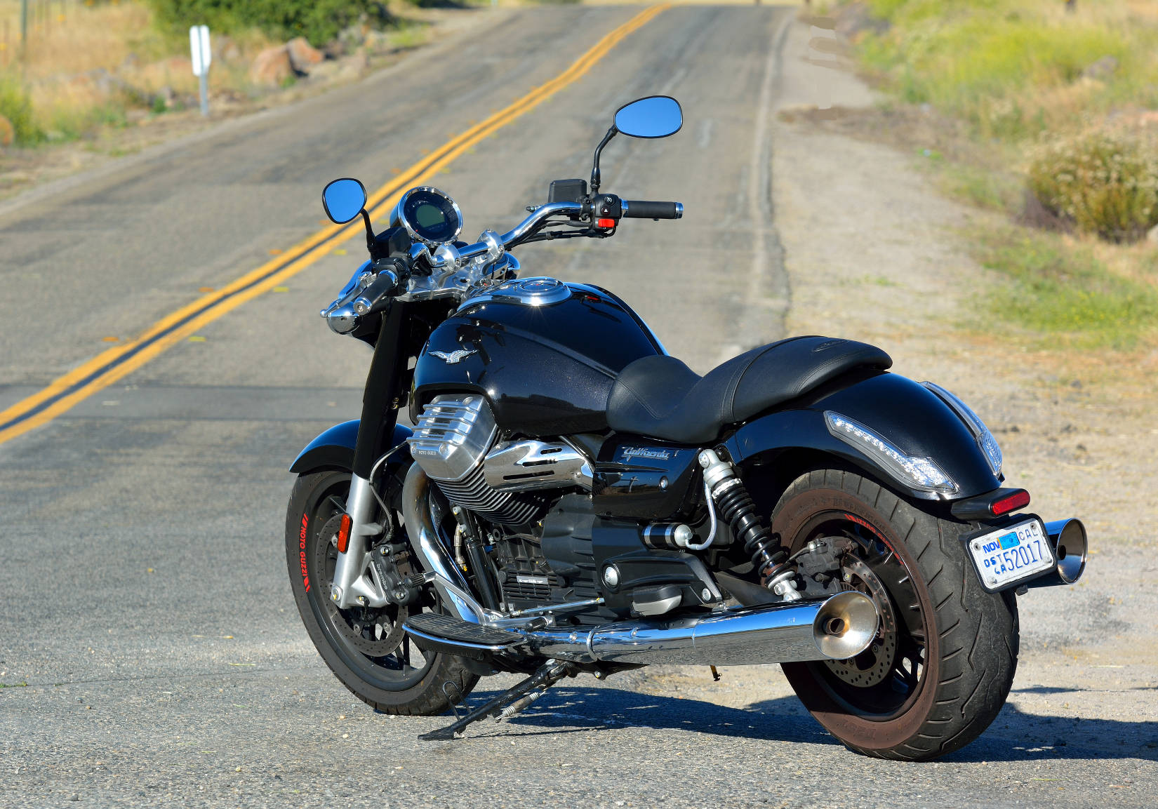 md bike of the year moto guzzi california 1400 custom motorcycle news. Black Bedroom Furniture Sets. Home Design Ideas