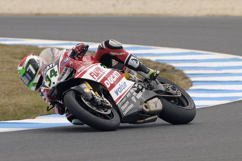 2014 WSB_ Ducati Giugliano_action