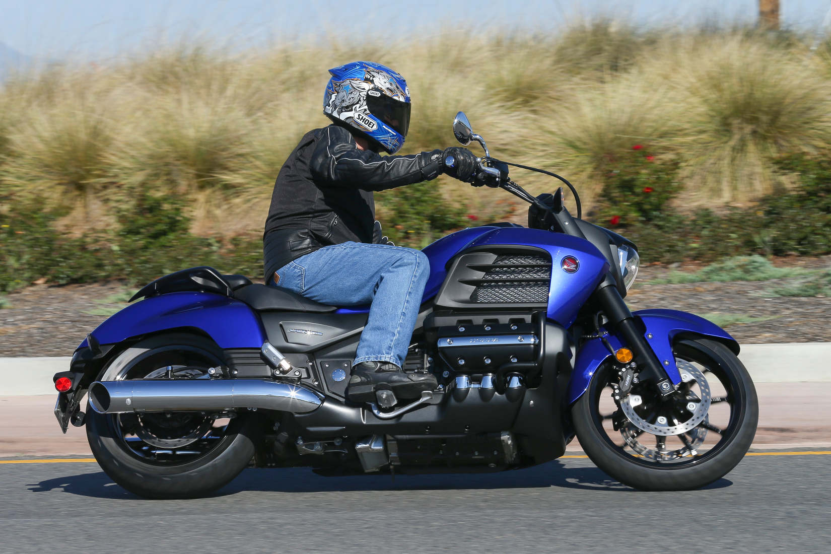 2014 Honda Valkyrie Md First Ride Motorcycledaily Com