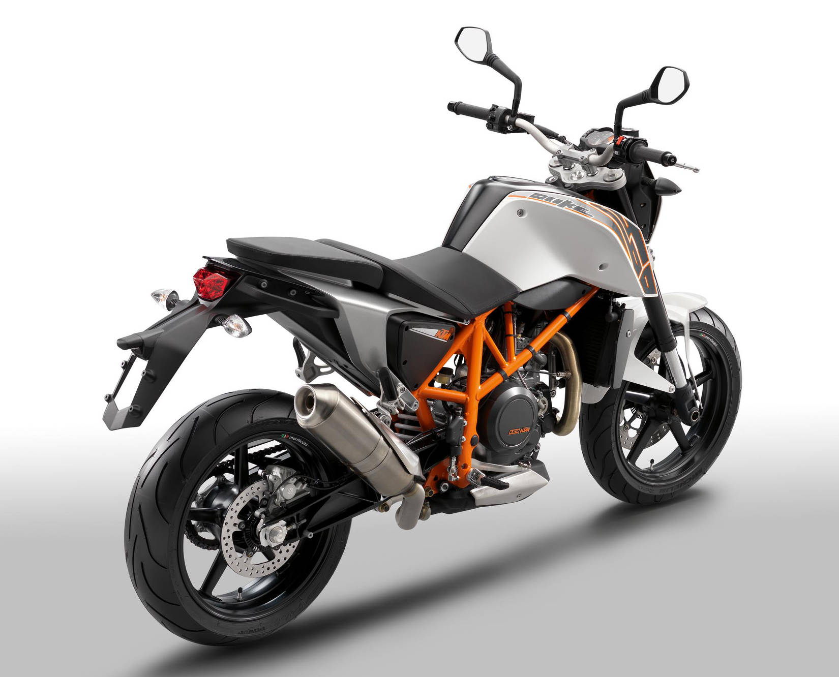 2014 ktm 690 duke md ride review. Black Bedroom Furniture Sets. Home Design Ideas