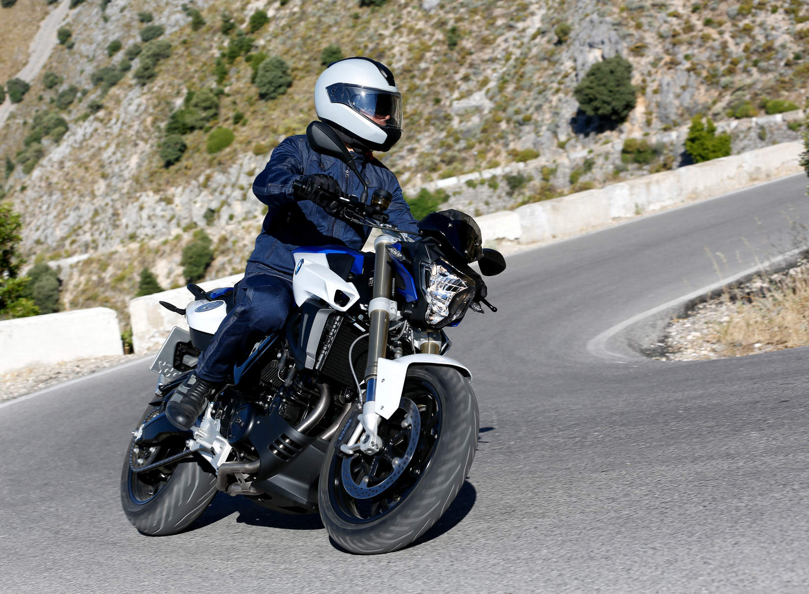 BMW Updates F 800 R For 2015