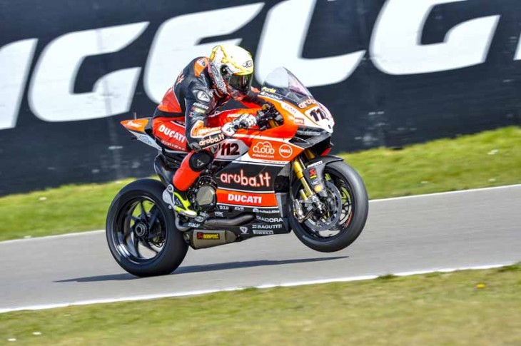 Fores_Ducati_action