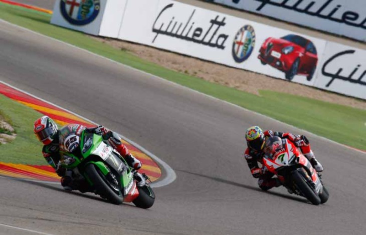 Rea edges Davies for race 1 win