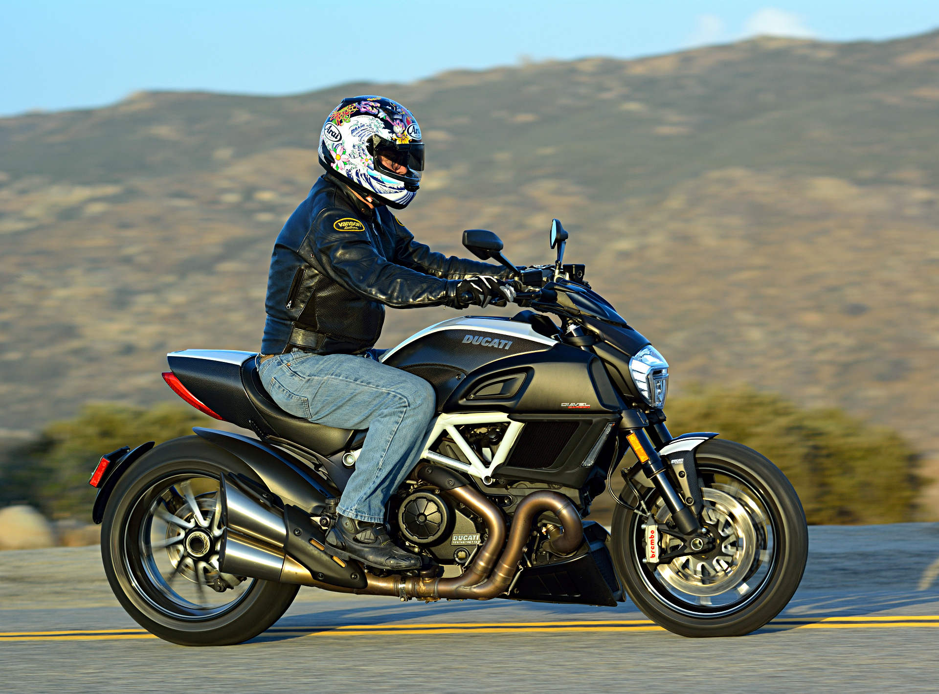 2015 Ducati Diavel Carbon Md Ride Review Motorcycledaily Com