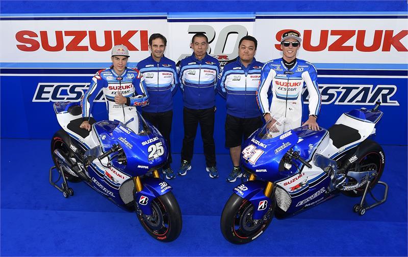 team suzuki ecstar race with iconic suzuki colours