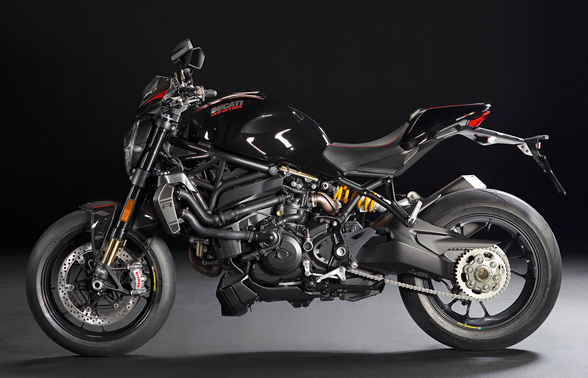 ducati introduces 2016 monster 1200 r motorcycle news editorials. Black Bedroom Furniture Sets. Home Design Ideas
