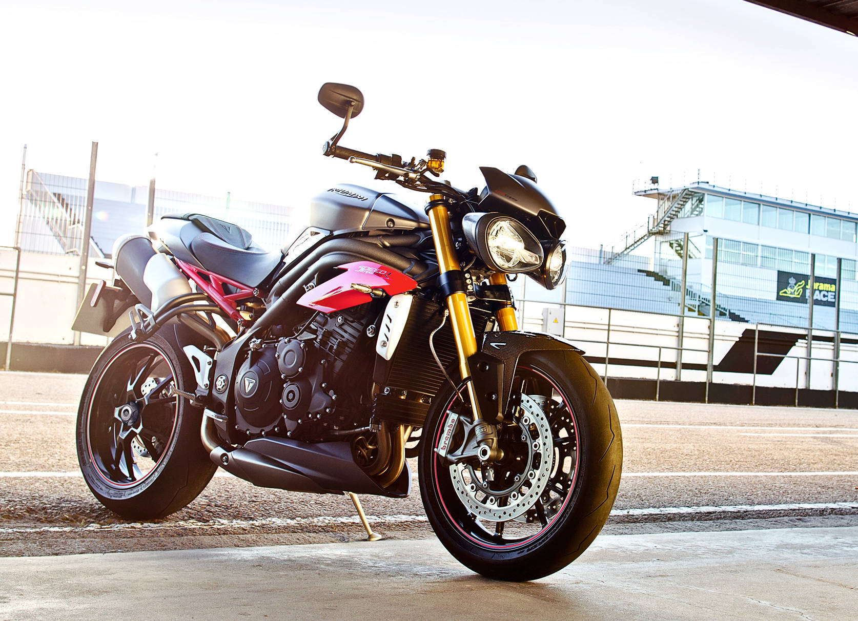 Triumph Unveils New 2016 Speed Triple R And Speed Triple S With Video on triumph carbon fiber
