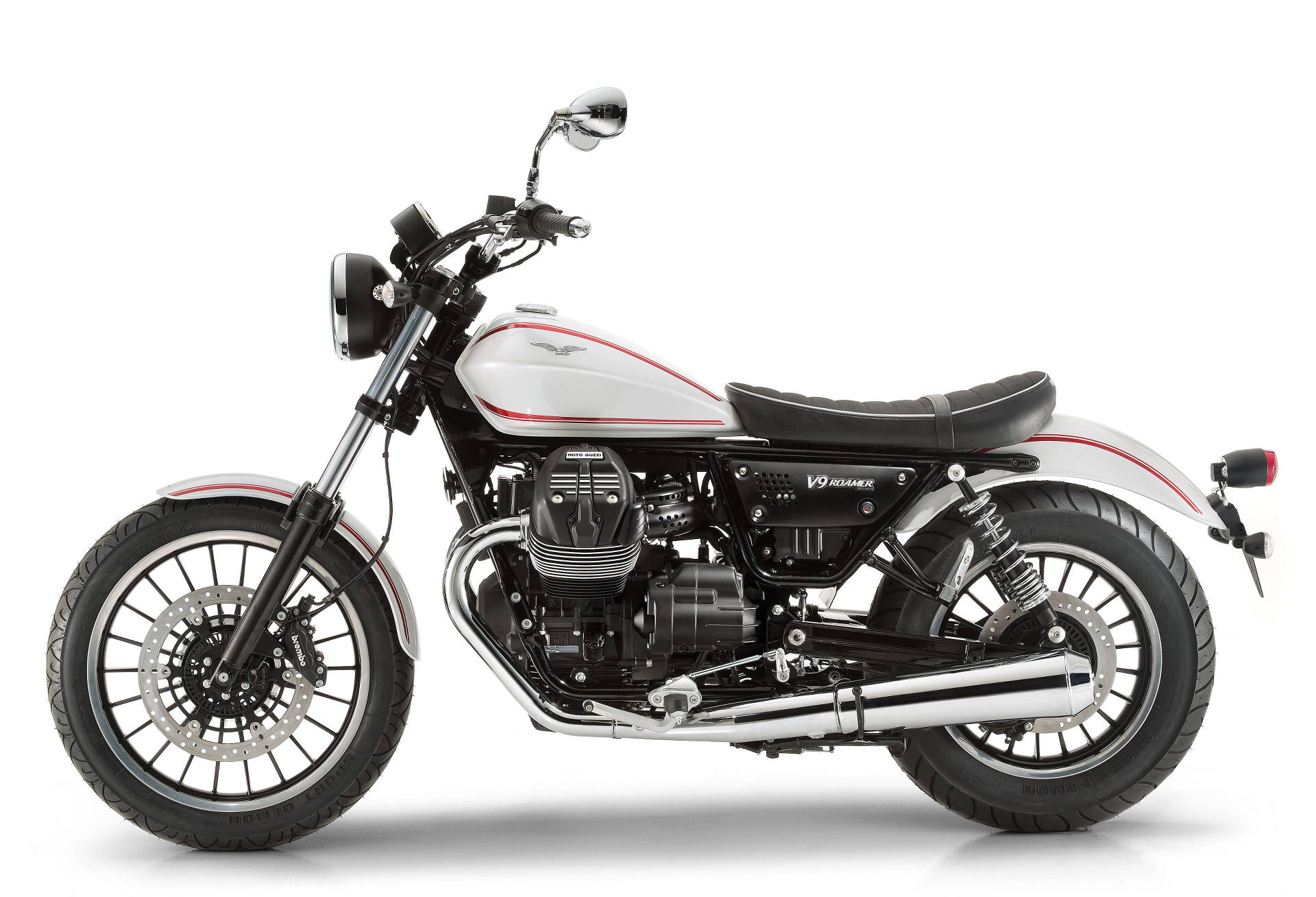 new moto guzzi v9 roamer and bobber feature 850cc v twin. Black Bedroom Furniture Sets. Home Design Ideas