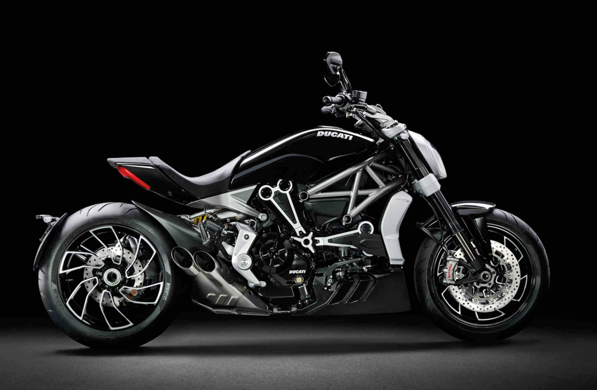 ducati announces new xdiavel entering the cruiser. Black Bedroom Furniture Sets. Home Design Ideas