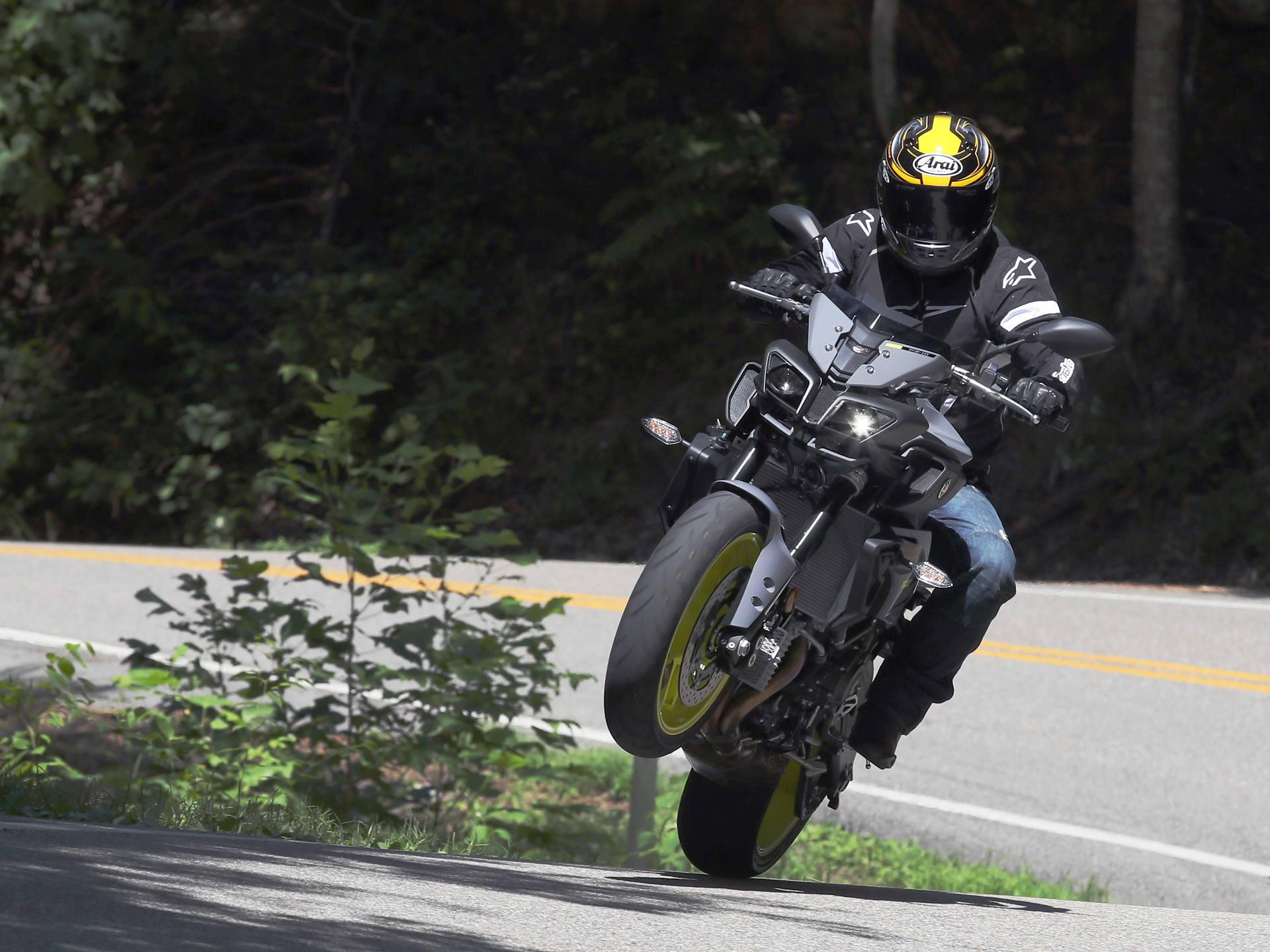 2017 Yamaha FZ-10: MD First Ride - MotorcycleDaily com