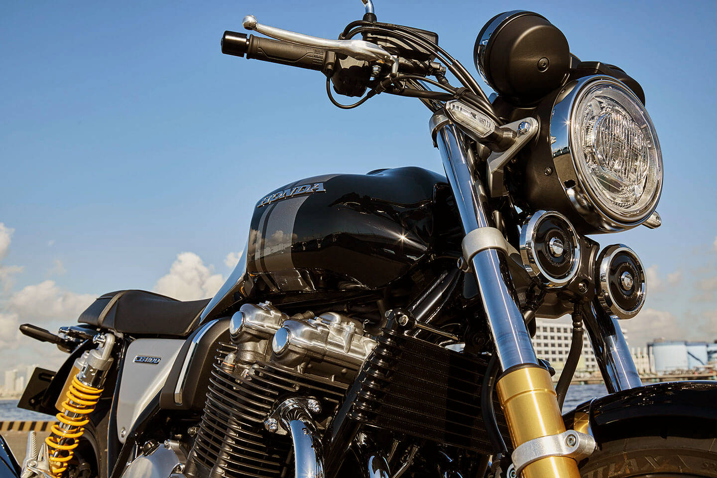 Honda Updates Cb1100 Range Includes Sportier Rs Model Motorcycledaily Com Motorcycle News Editorials Product Reviews And Bike Reviews