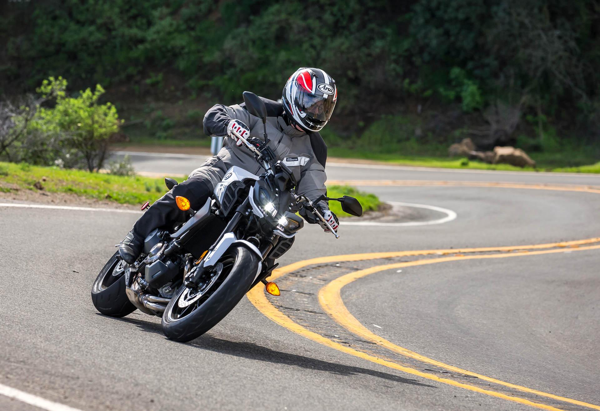 2017 Yamaha FZ-09: MD First Ride - MotorcycleDaily com