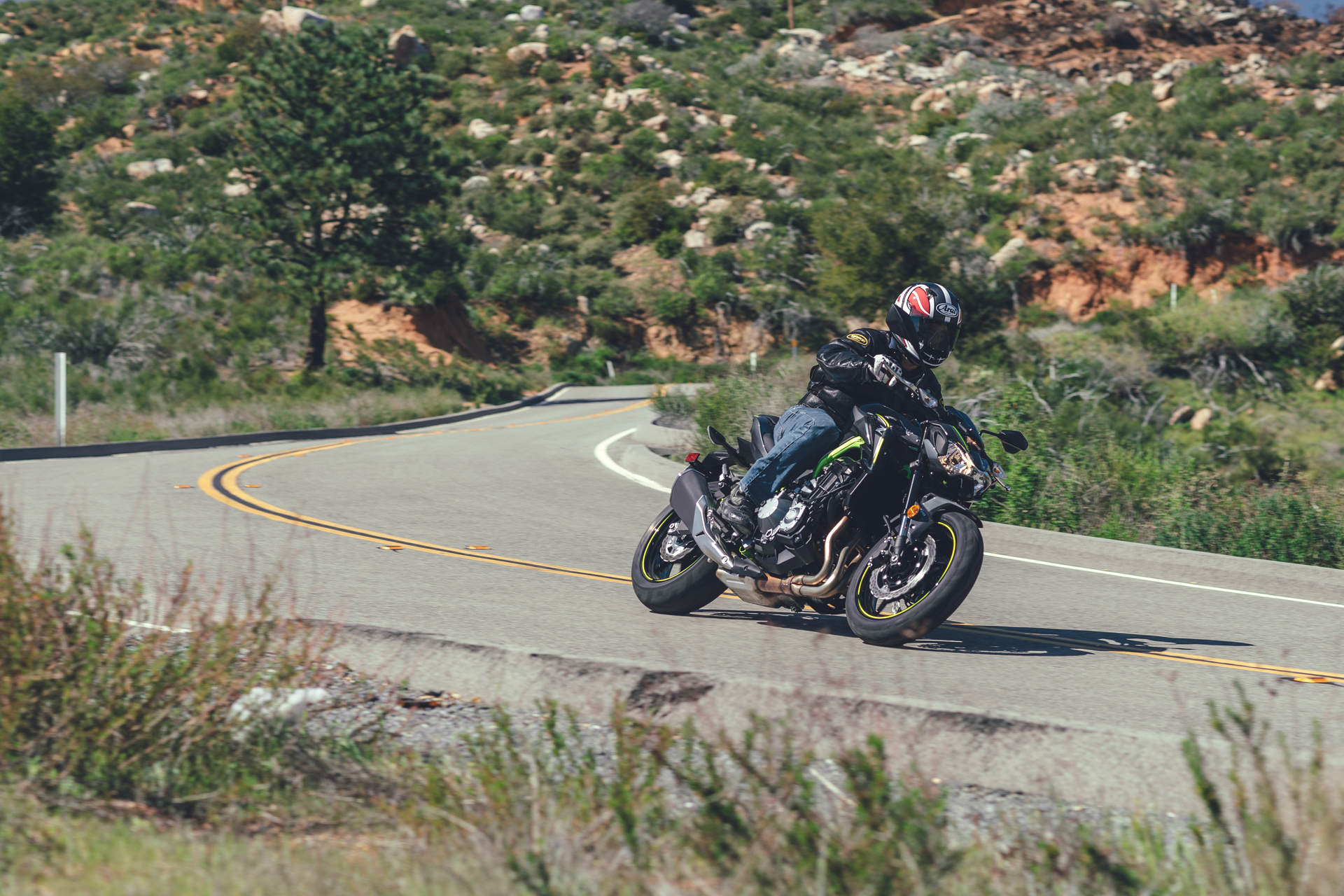 Harley manages to fit all the complex electronics and emissions gear - Sixth Gear Is An Overdrive To Improve Mileage And Calm Things Down When Cruising On The Highway