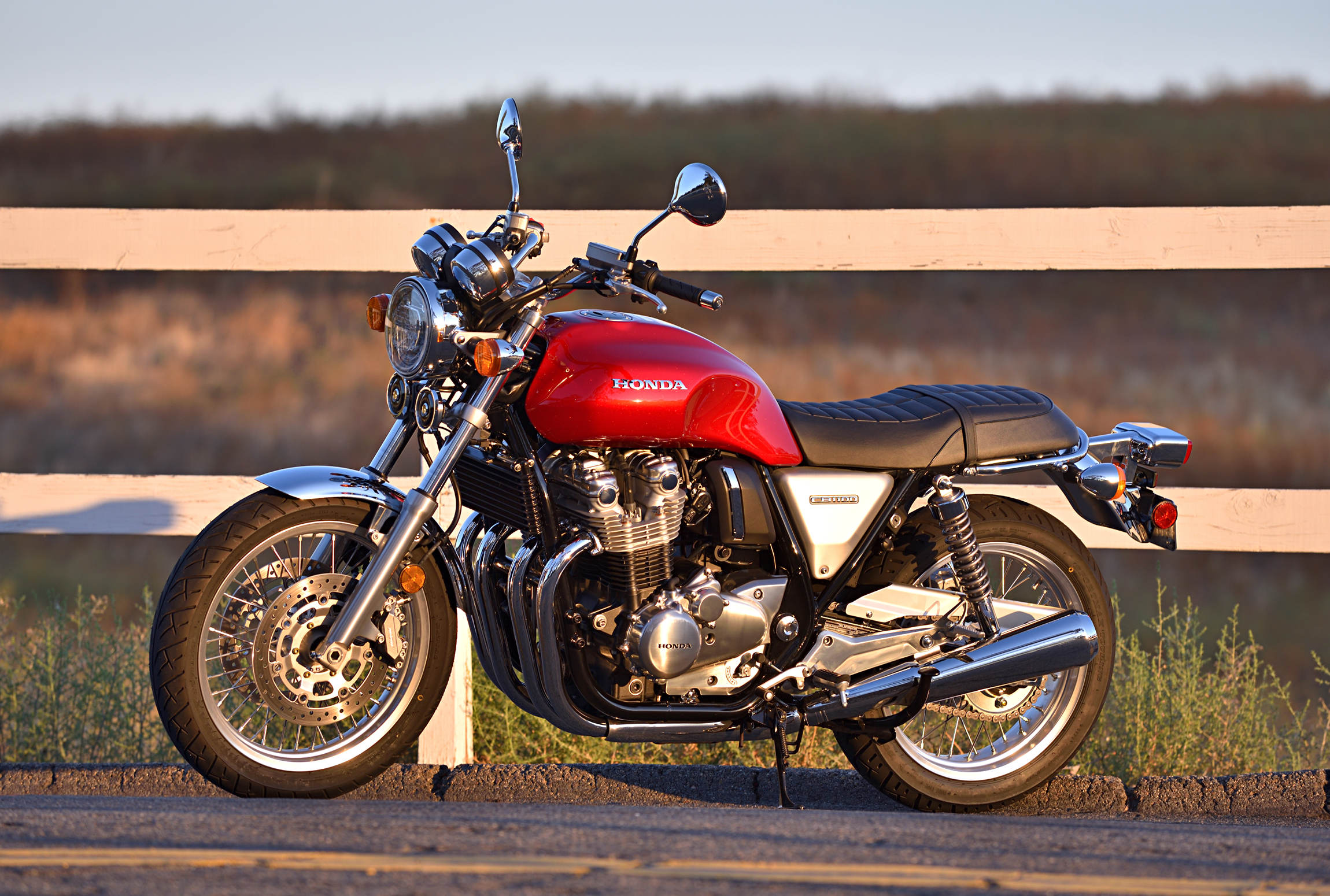 2017 Honda Cb1100 Ex Md Ride Review Motorcycledaily Com