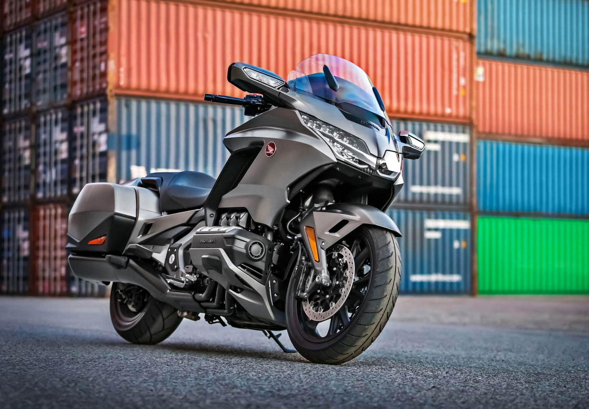 all new 2018 honda gold wing unveiled with video motorcycle news. Black Bedroom Furniture Sets. Home Design Ideas