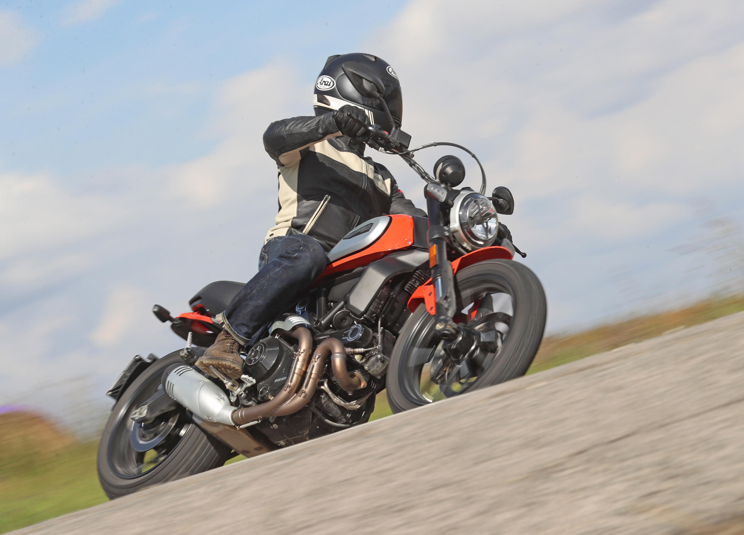 2019 Ducati Scrambler Icon Md First Ride Motorcycledailycom