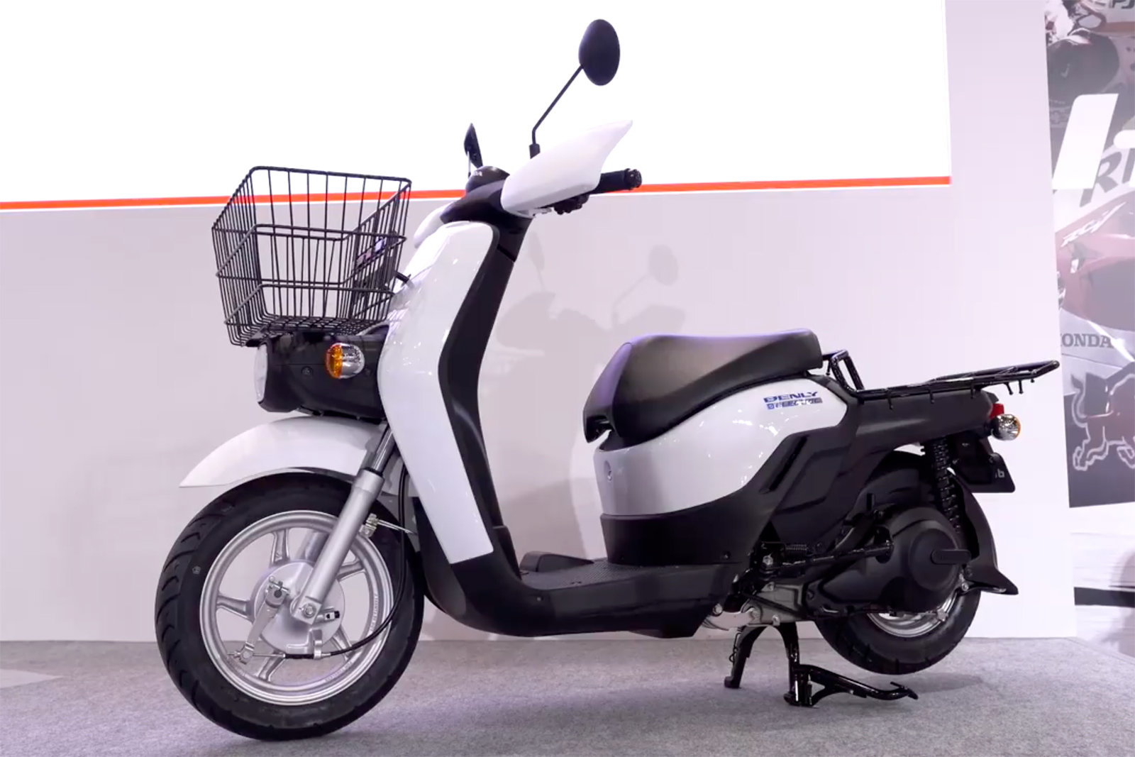 Honda Displays Electric Motorcycle And Scooter At Tokyo Motor Show
