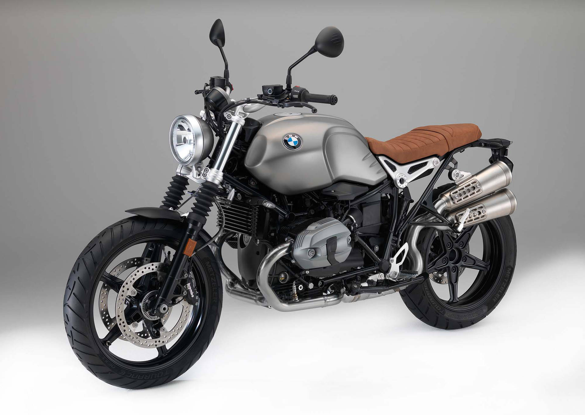 bmw unveils new r ninet scrambler. Black Bedroom Furniture Sets. Home Design Ideas